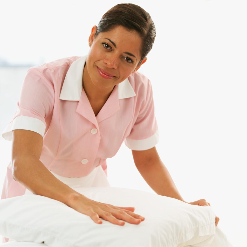 介護福祉士:上級職を新設へ 厚労省